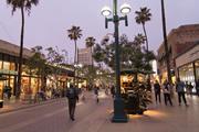 サード・ストリート・プロムナード(Third Street Promenade)