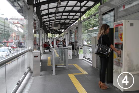095 メキシコ・シティ・メトロバス(BRT)4