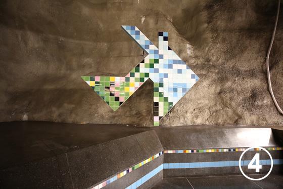 ストックホルムの地下鉄ホームのアート事業4
