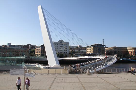 ゲーツヘッド・ミレニアム・ブリッジ(Gateshead Millenium Bridge)