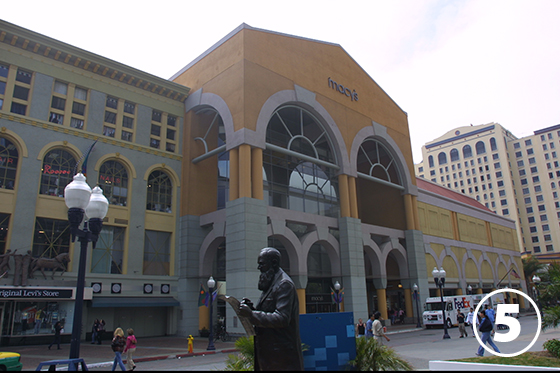 ホートン・プラザ(Horton Plaza)5