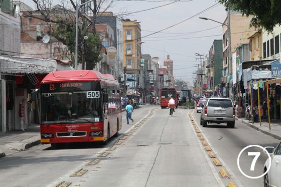 095 メキシコ・シティ・メトロバス(BRT)7