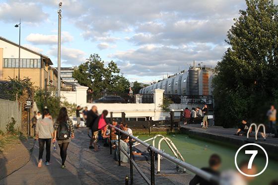222 リージェント運河の歩道整備